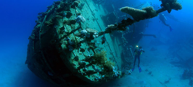 Divers on Red Sea wreck